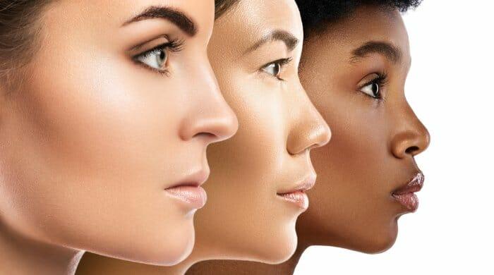 drei weibliche Gesichter